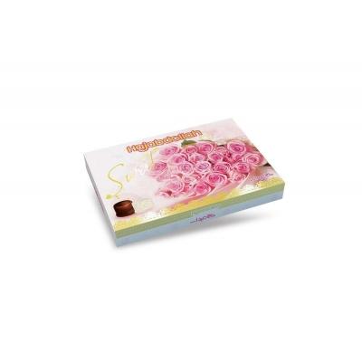 Фото упаковки конфет Hajabdollah из царской халвы в  белой и шоколадной глазури Розы Розовые вид спереди